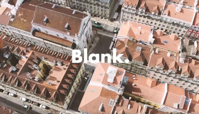 Lisbona: Web Summit 2018. Si parla di tecnologia, di nuove piattaforme, di innovazione. Si parla di COMUNICAZIONE. Blank. presente all'appello